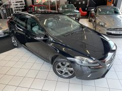 VOLVO V40 D4 CROSS COUNTRY LUX NAV - 1800 - 2