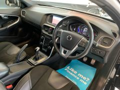 VOLVO V40 T2 R-DESIGN NAV PLUS - 1572 - 19