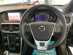 VOLVO V40 T2 R-DESIGN NAV PLUS - 1572 - 22