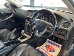 VOLVO V40 D4 CROSS COUNTRY LUX NAV - 1800 - 17