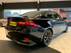 LEXUS IS 300H EXECUTIVE EDITION - 1644 - 10