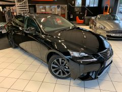 LEXUS IS 300H EXECUTIVE EDITION - 1644 - 2