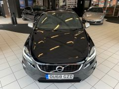 VOLVO V40 T2 R-DESIGN NAV PLUS - 1572 - 4